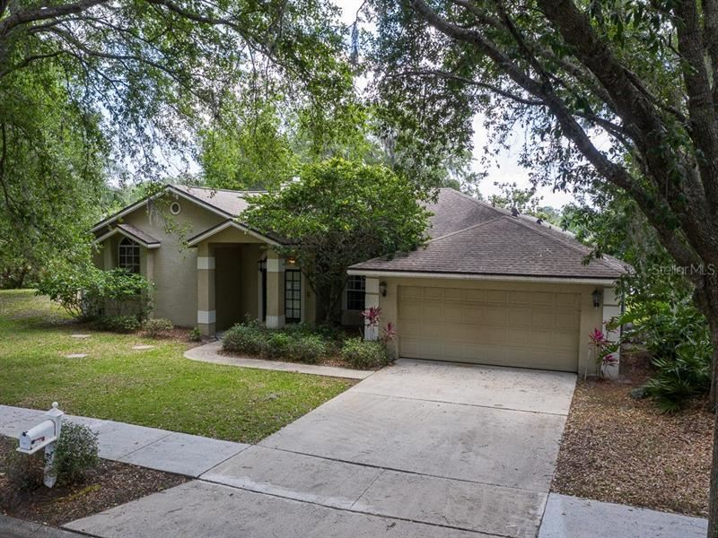 1027 WILLA LAKE CIRCLE, Oviedo, FL 32765 - #: V4913569