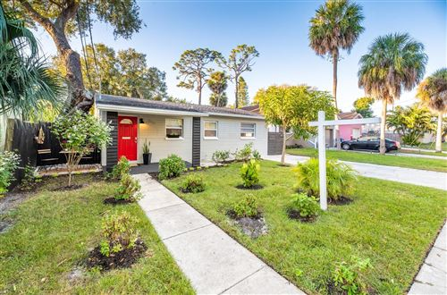 Photo of 866 30TH AVENUE S, ST PETERSBURG, FL 33705 (MLS # U8139570)