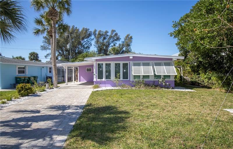 Photo of 1290 HOLIDAY DRIVE, ENGLEWOOD, FL 34223 (MLS # D6117570)
