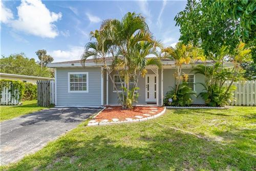 Photo of 3313 LEXINGTON STREET, SARASOTA, FL 34231 (MLS # T3246575)