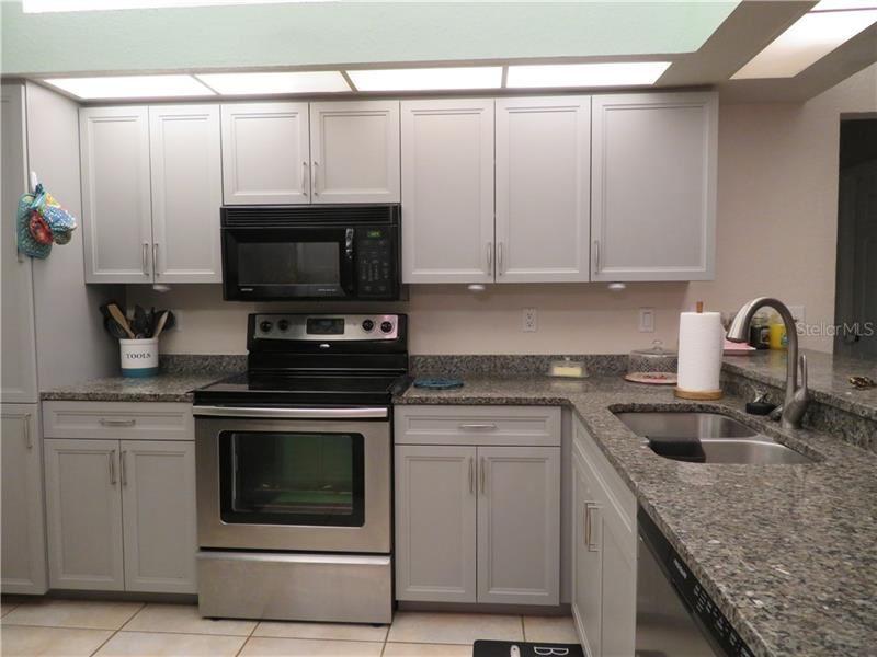 Photo of 3015 46TH AVENUE E, BRADENTON, FL 34203 (MLS # A4467575)