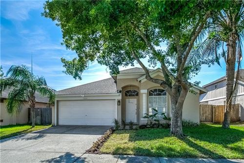 Photo of 13404 ROSLYN PLACE, TAMPA, FL 33626 (MLS # T3235582)