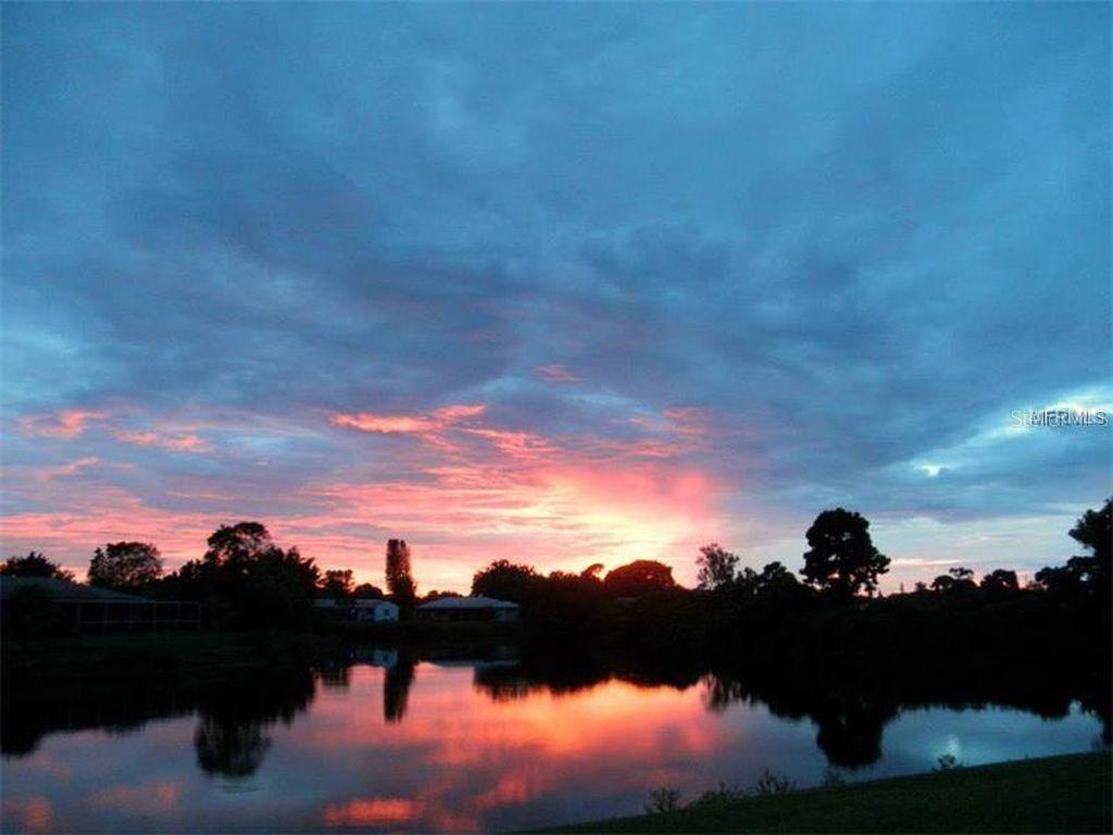 Photo of 424 DRIFTWOOD ROAD, VENICE, FL 34293 (MLS # N6117583)