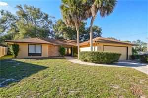 Photo of 733 LAKEVIEW DRIVE, WINTER SPRINGS, FL 32708 (MLS # O5751591)