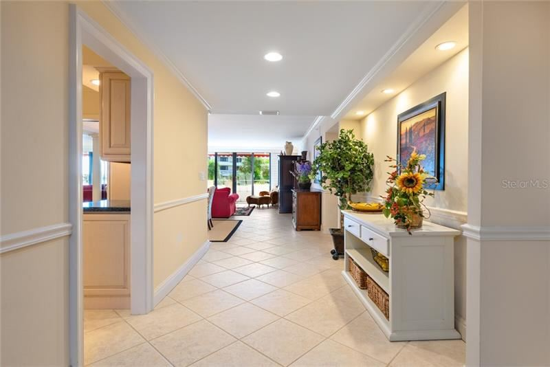 Photo of 1485 GULF OF MEXICO DRIVE #A- 104, LONGBOAT KEY, FL 34228 (MLS # A4483591)