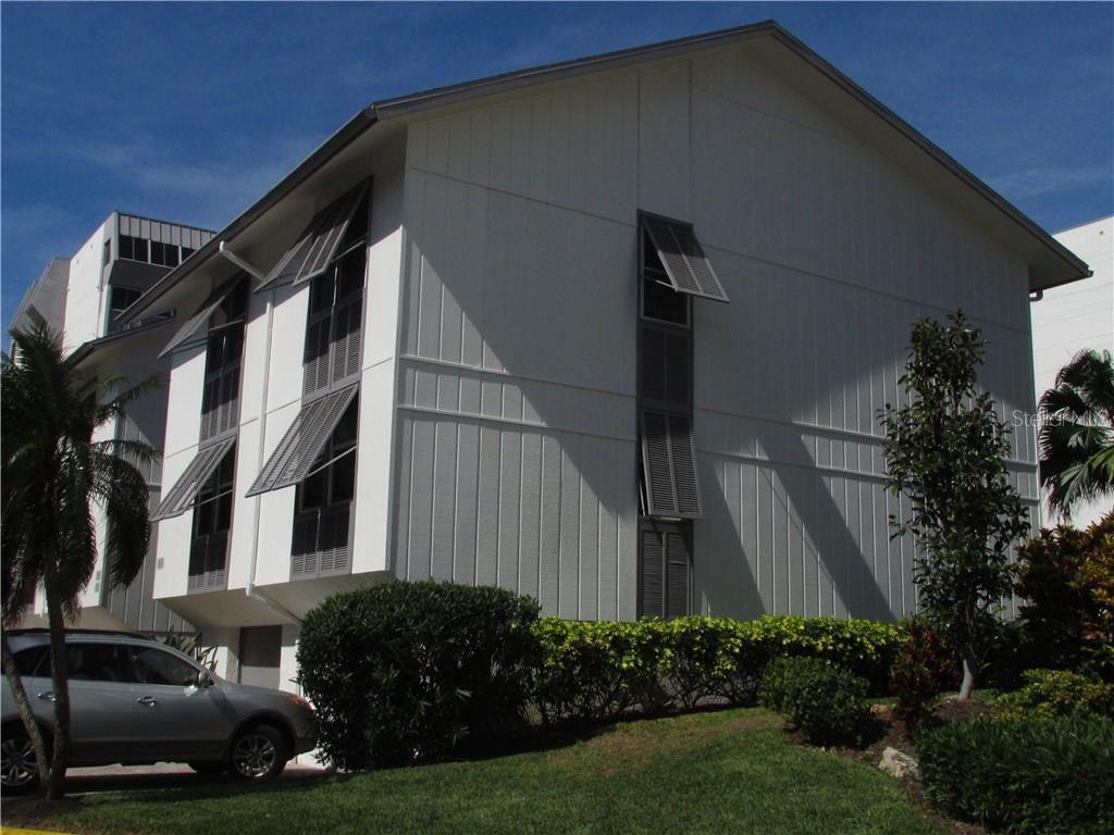 1087 W PEPPERTREE DRIVE #221D, Sarasota, FL 34242 - #: A4493593