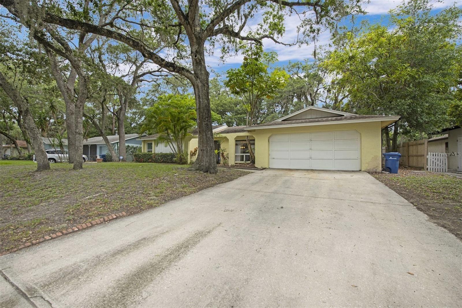 Photo of 5535 DUNCANWOOD PLACE, SARASOTA, FL 34232 (MLS # A4503594)