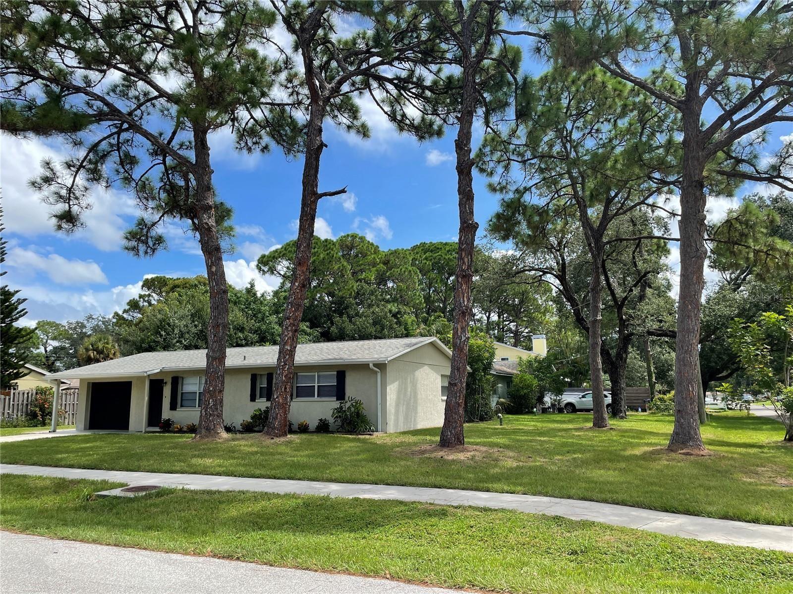 Photo of 2055 FAIRFIELD AVENUE, SARASOTA, FL 34232 (MLS # A4510594)