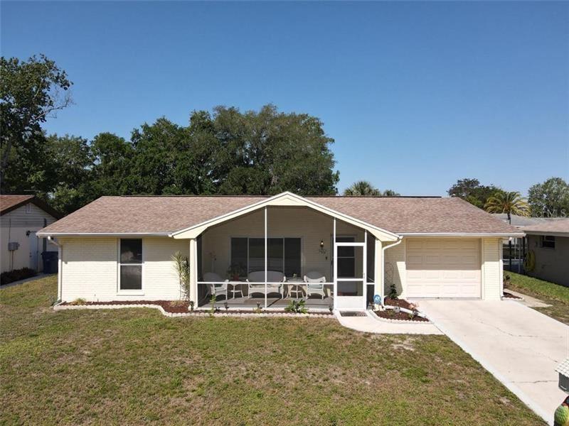7501 HOLLY LAKE LANE, New Port Richey, FL 34653 - #: W7832594