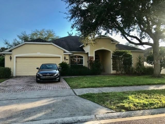 Photo of 5046 CAPE HATTERAS DRIVE, CLERMONT, FL 34714 (MLS # O5975595)
