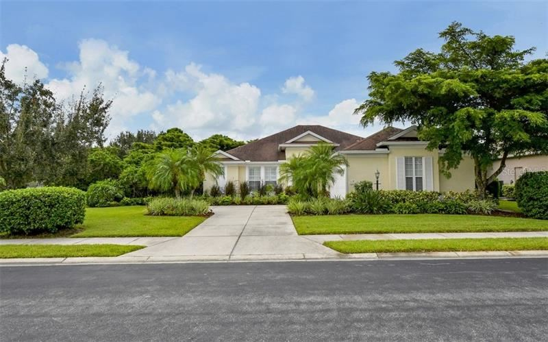Photo of 7914 ASHLEY CIRCLE, UNIVERSITY PARK, FL 34201 (MLS # A4481601)
