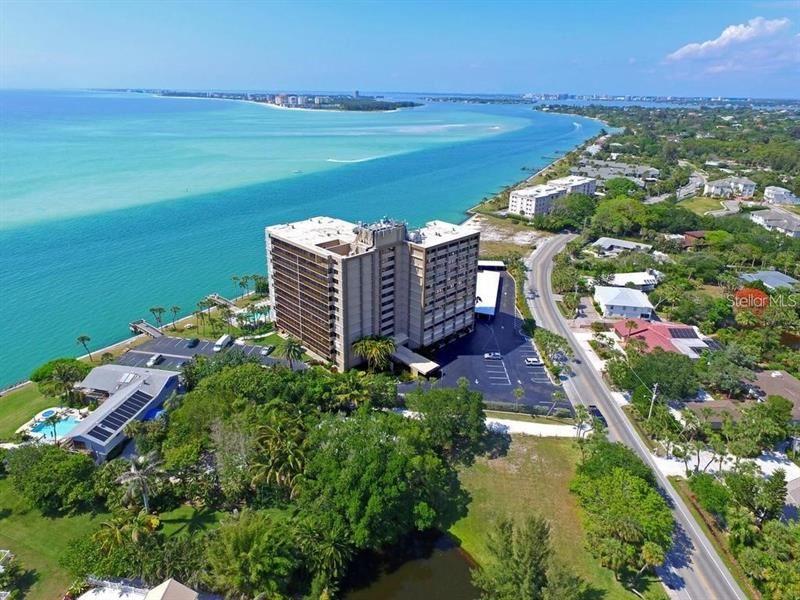 Photo of 4822 OCEAN BOULEVARD #5E, SARASOTA, FL 34242 (MLS # N6114609)