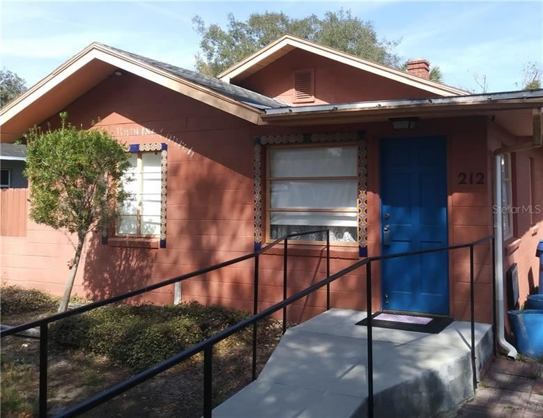 212 W CENTRAL AVENUE, Howey in the Hills, FL 34737 - #: V4912615