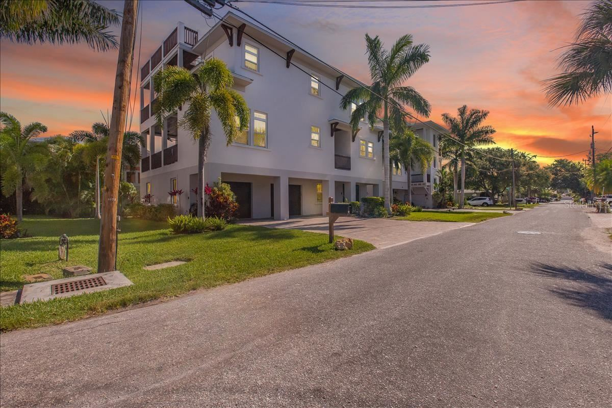 Photo of 1025 CRESCENT STREET, SARASOTA, FL 34242 (MLS # A4500623)
