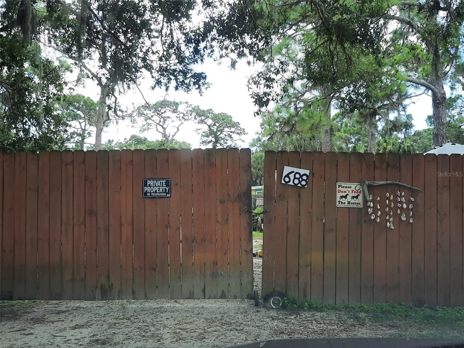 Photo of 688 E BAY STREET, OSPREY, FL 34229 (MLS # N6117628)