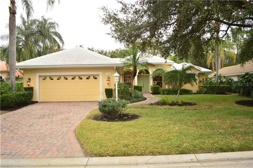 Photo of 6629 SAINT JAMES CROSSING, UNIVERSITY PARK, FL 34201 (MLS # A4488632)