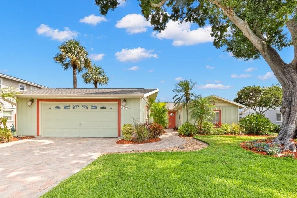 8457 FLAGSTONE DRIVE, Tampa, FL 33615 - MLS#: A4503632