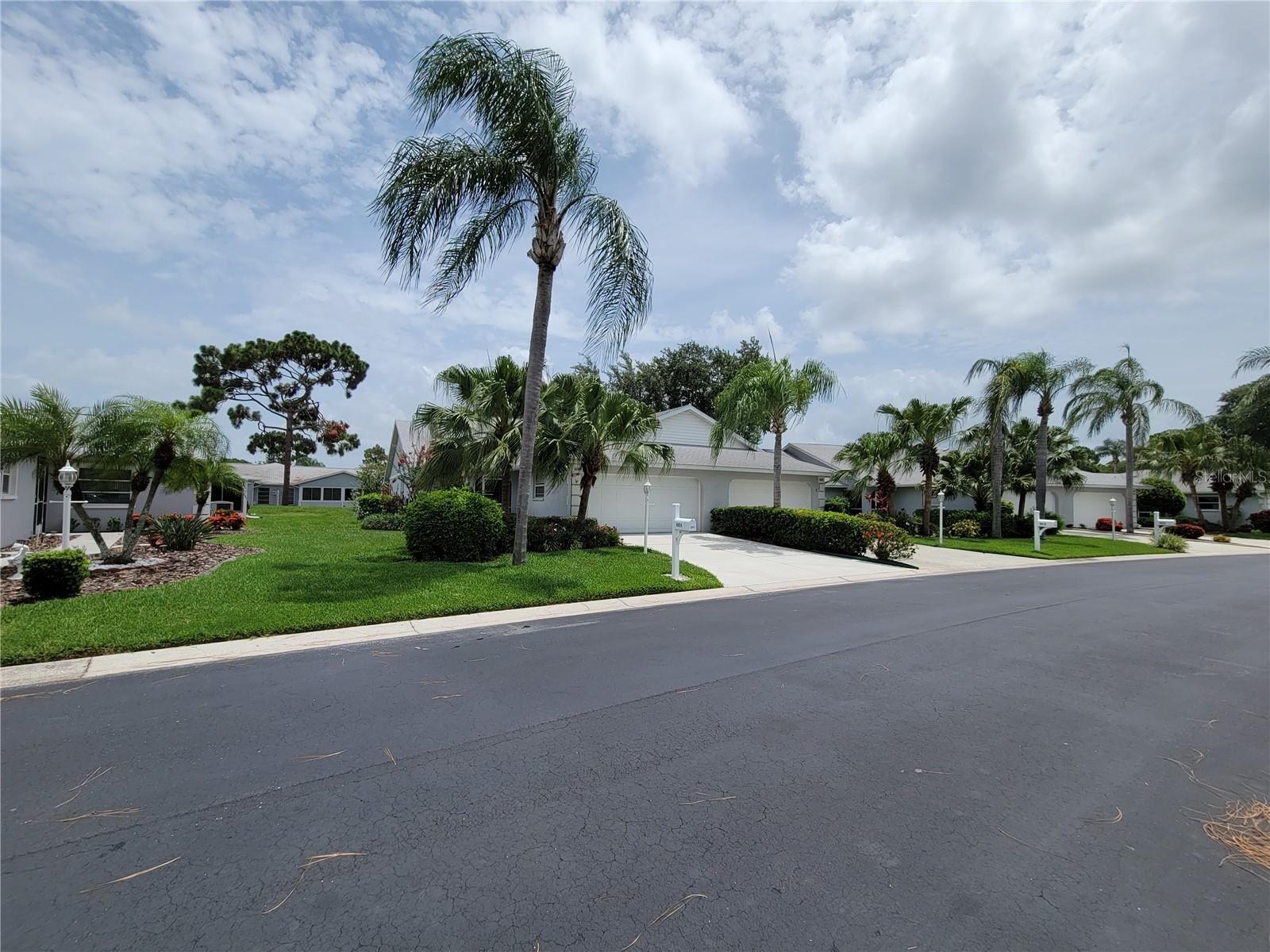 Photo of 6004 BONAVENTURE PLACE, SARASOTA, FL 34243 (MLS # A4504632)