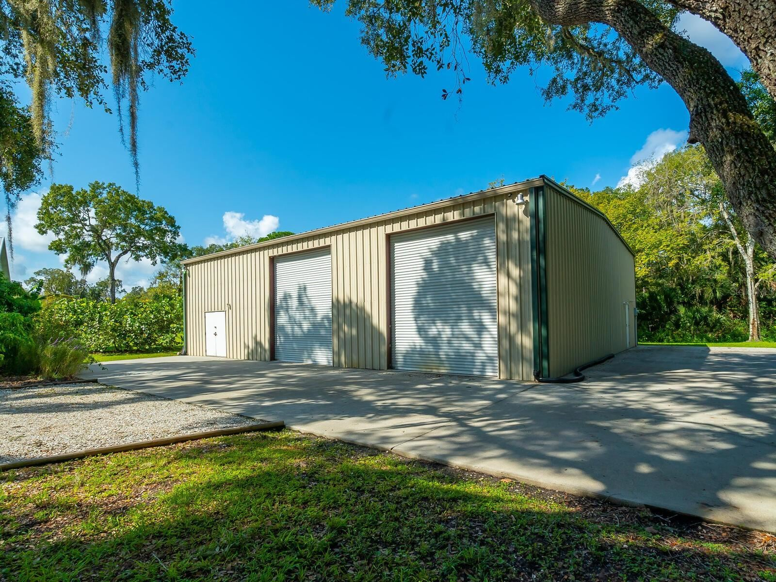 Photo of 5912 13TH AVENUE E, BRADENTON, FL 34208 (MLS # A4511633)