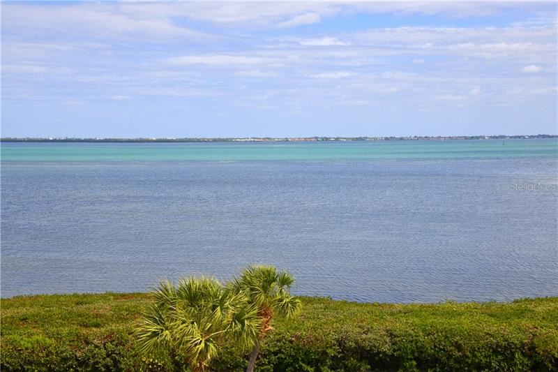 Photo of 4700 GULF OF MEXICO DRIVE #PH3, LONGBOAT KEY, FL 34228 (MLS # A4460638)