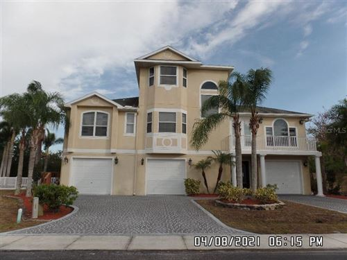 Main image for 3020 SHEPPARDS CROOK COURT, HOLIDAY,FL34691. Photo 1 of 18