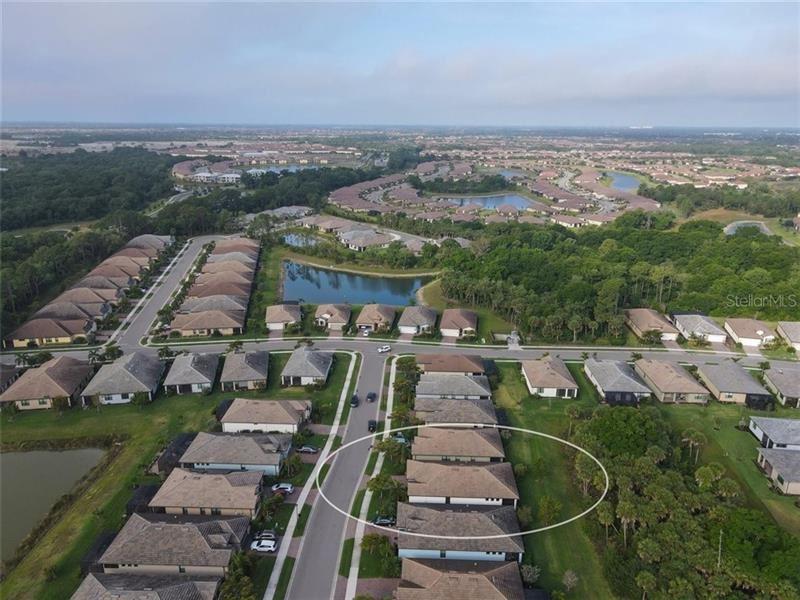 Photo of 12032 BLAZING STAR DRIVE, VENICE, FL 34293 (MLS # D6117645)