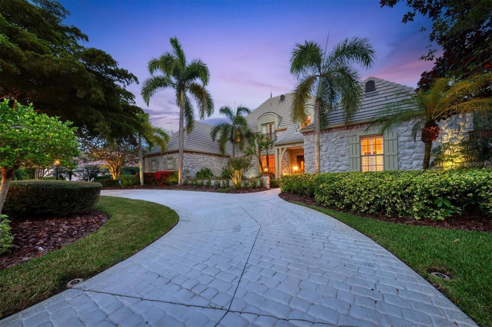 Photo of 6963 WESTCHESTER CIRCLE, LAKEWOOD RANCH, FL 34202 (MLS # A4506647)