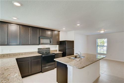Main image for 1001 CULBREATH GREEN COURT, RUSKIN,FL33570. Photo 1 of 10