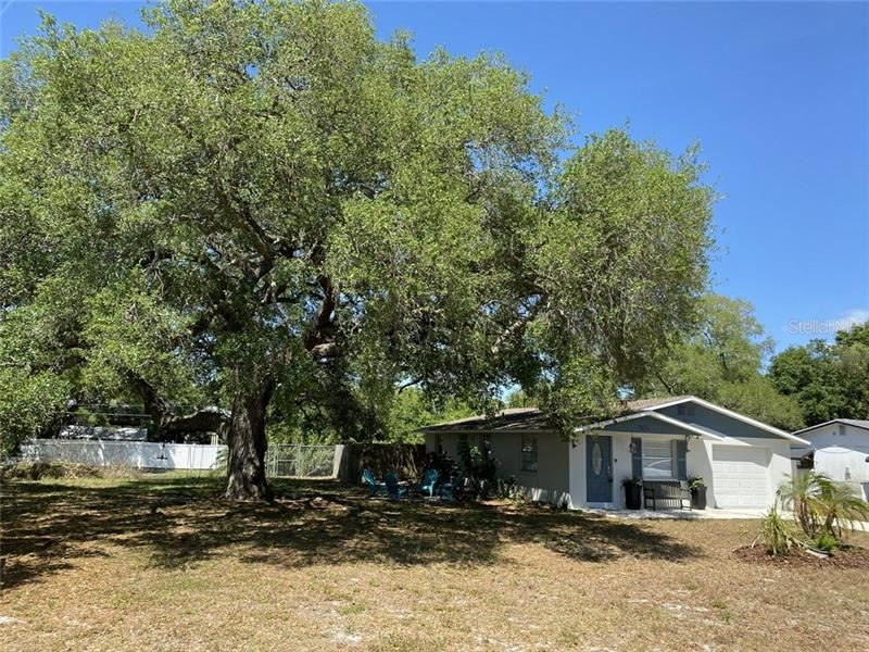 Photo of 2875 DAVIS BOULEVARD, SARASOTA, FL 34237 (MLS # U8083662)