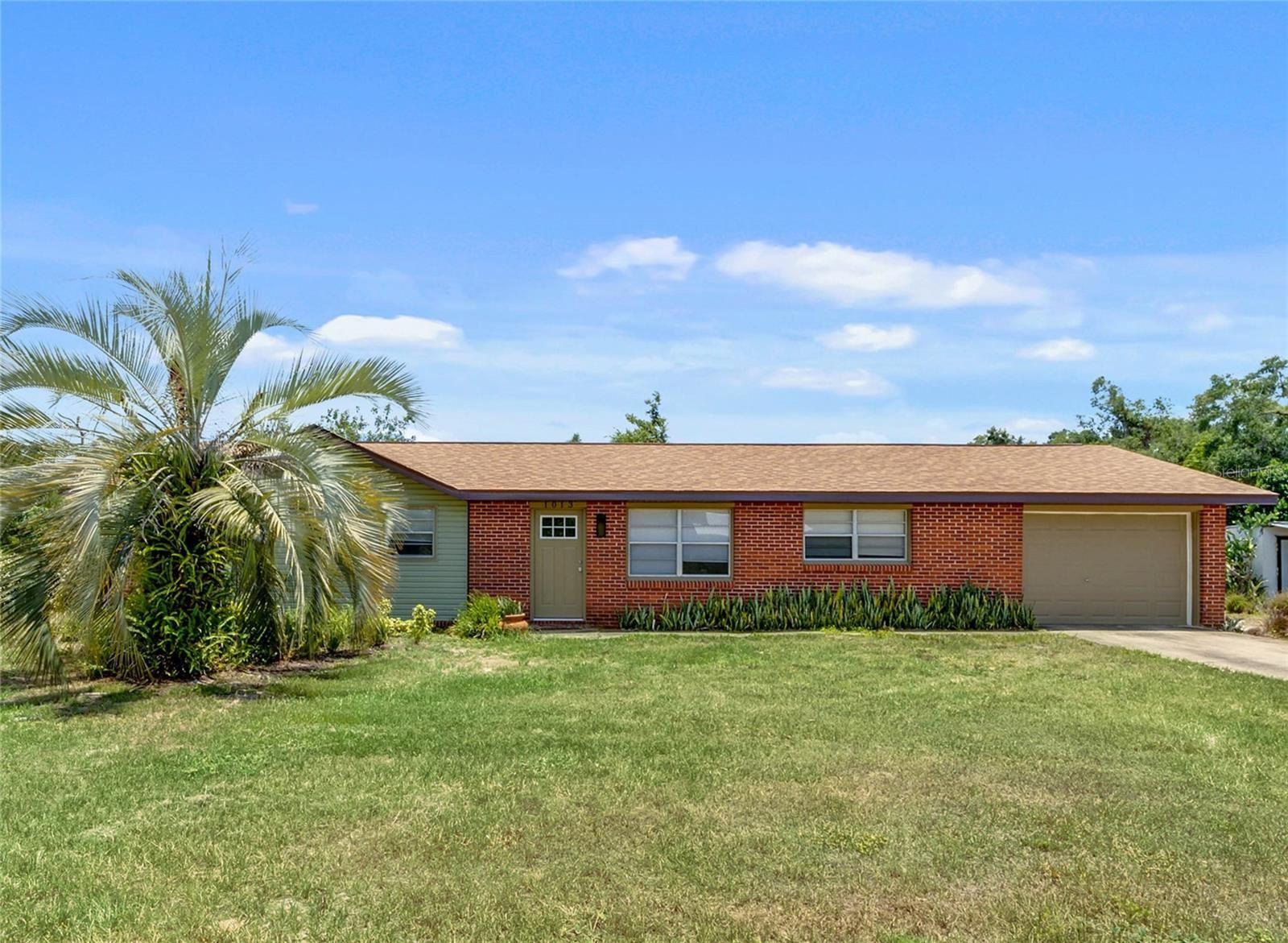 1013 N CLARA AVENUE, Deland, FL 32720 - MLS#: V4919662