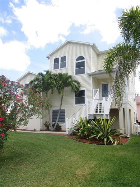 17555 2ND STREET E, Redington Shores, FL 33708 - #: U8084671