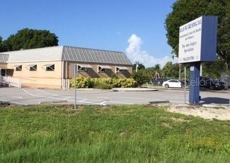 Photo of 4535 TAMIAMI TRAIL, PORT CHARLOTTE, FL 33980 (MLS # C7404677)