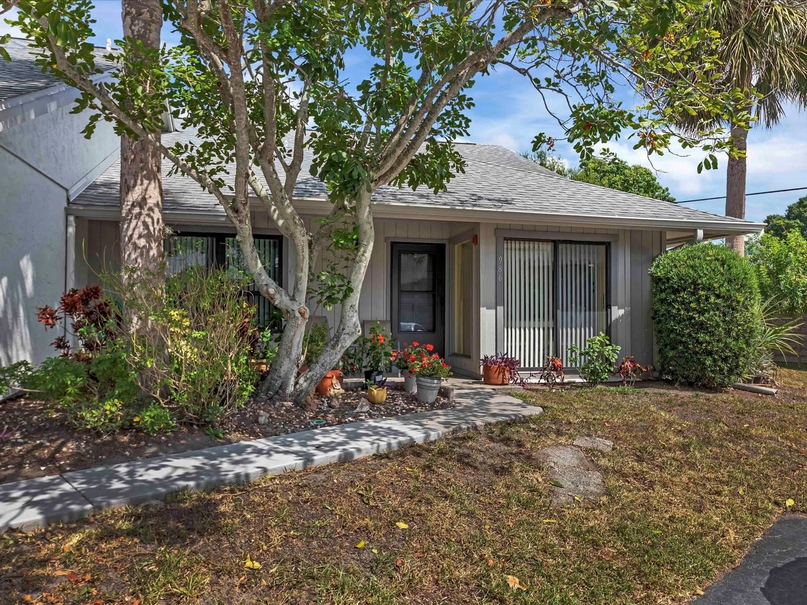 986 N BENEVA ROAD #V-6, Sarasota, FL 34232 - #: A4502679