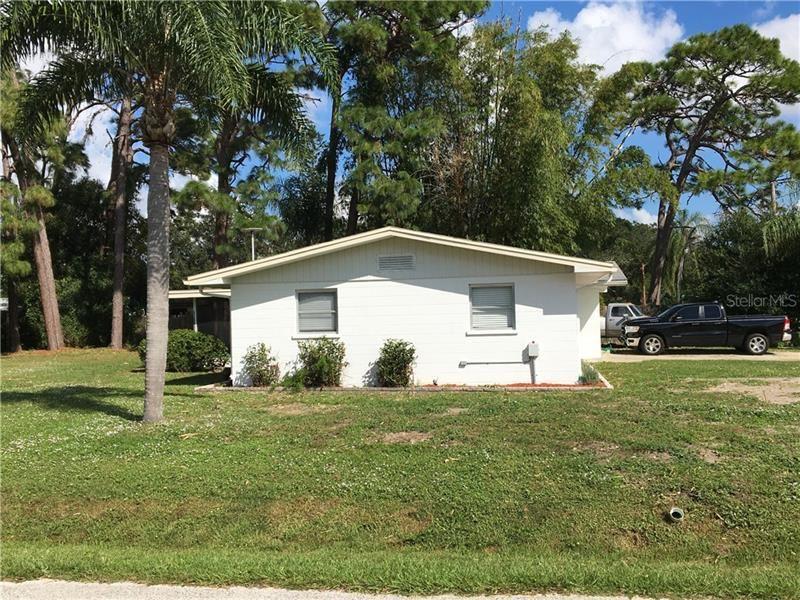 Photo of 215 E BAFFIN DRIVE, VENICE, FL 34293 (MLS # N6112686)
