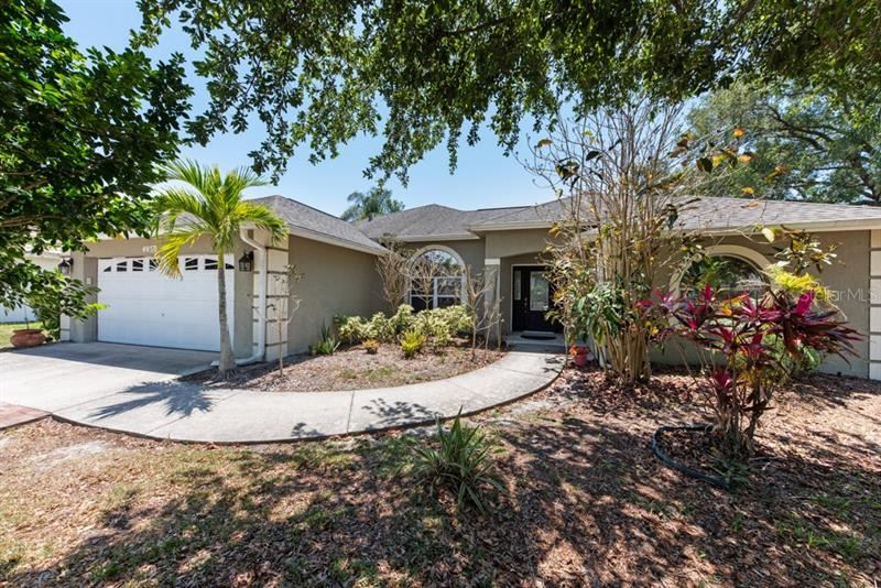 Photo of 4050 WESTFIELD COURT, SARASOTA, FL 34233 (MLS # A4498687)