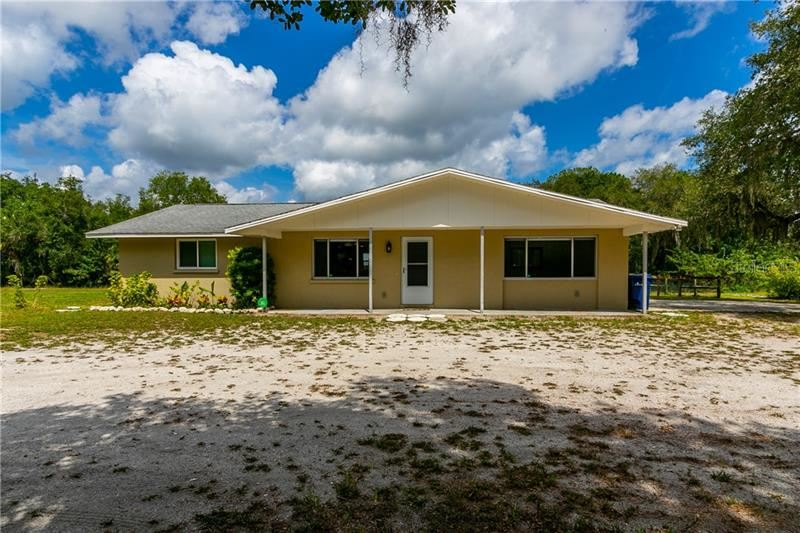 Photo of 224 KEYSTONE ROAD, VENICE, FL 34292 (MLS # C7428687)