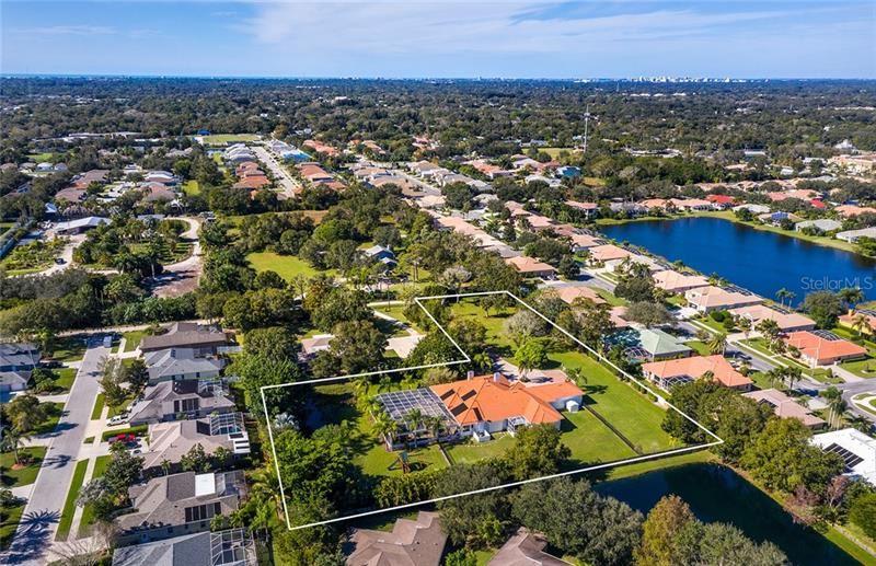 Photo of 5013 FIELDING LANE, SARASOTA, FL 34233 (MLS # A4483688)
