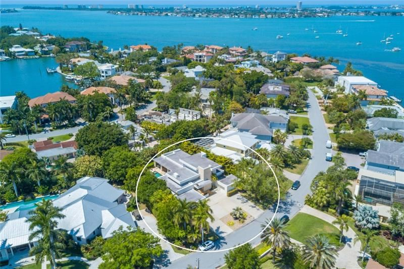 Photo of 1347 HARBOR DRIVE, SARASOTA, FL 34239 (MLS # A4497689)