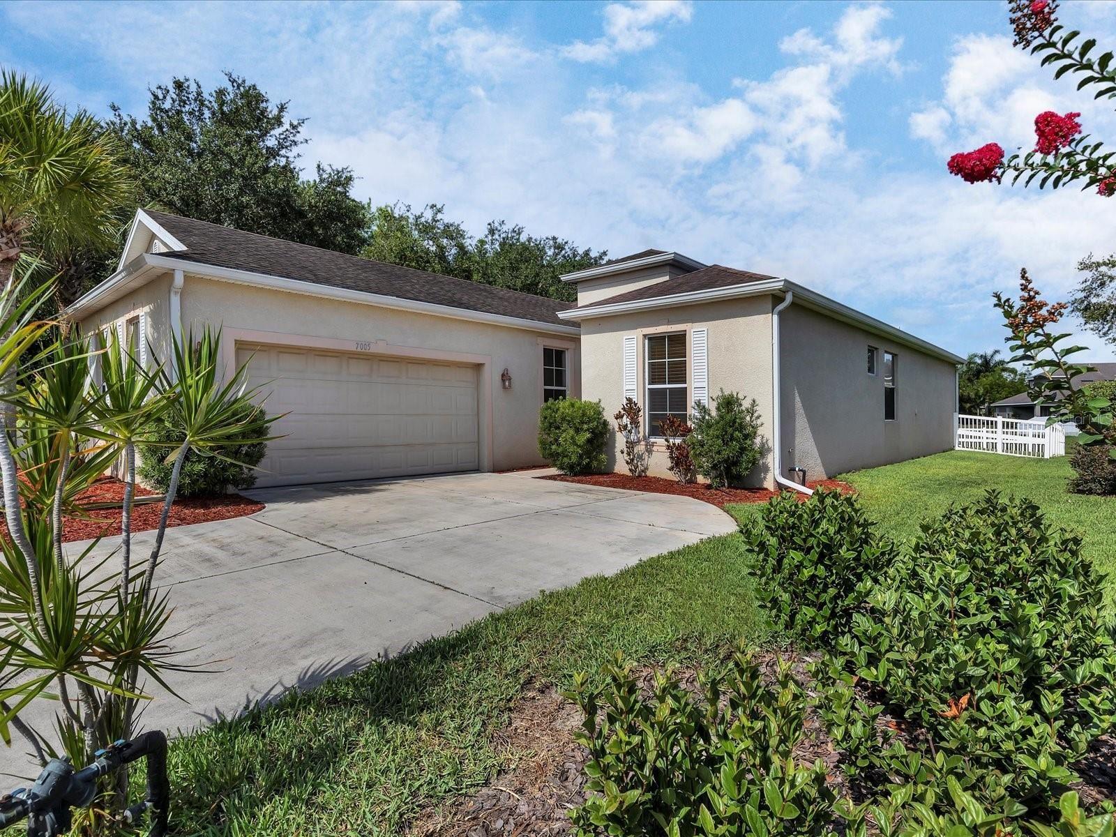 Photo of 7005 56TH TERRACE E, PALMETTO, FL 34221 (MLS # A4503690)