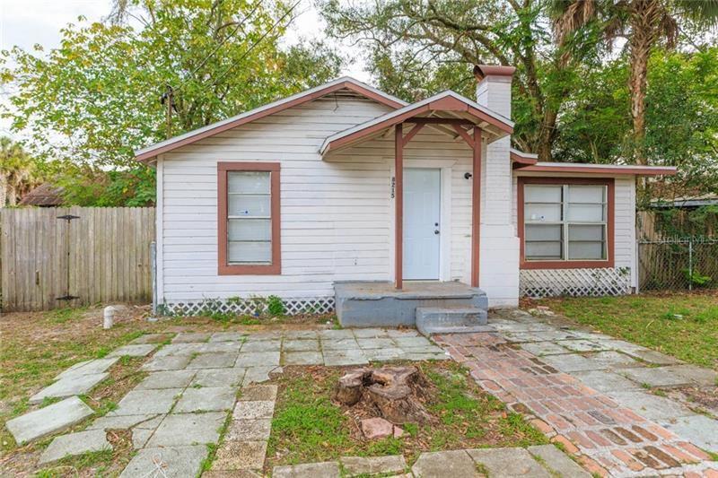 8215 N BROOKS STREET, Tampa, FL 33604 - #: A4486692