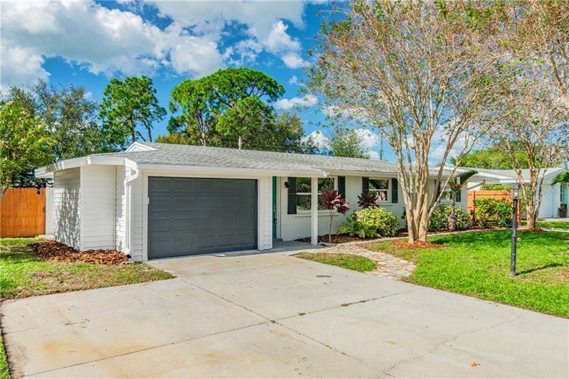 7356 CASS CIRCLE, Sarasota, FL 34231 - #: U8106692