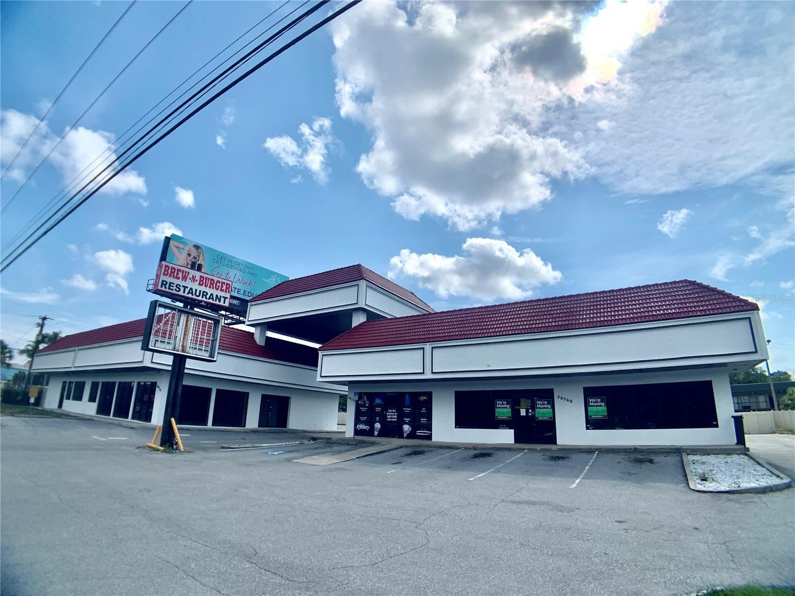 28530 US HIGHWAY 19 N, Clearwater, FL 33761 - MLS#: T3305694