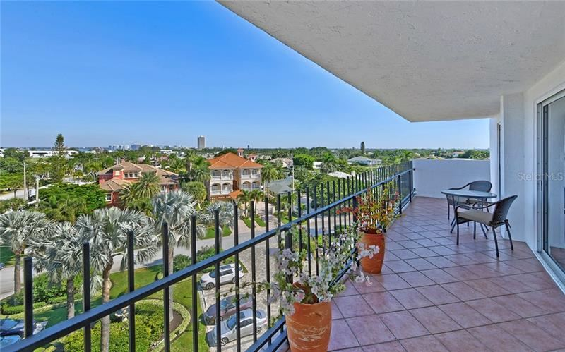 Photo of 1 BENJAMIN FRANKLIN DRIVE #64, SARASOTA, FL 34236 (MLS # A4452696)