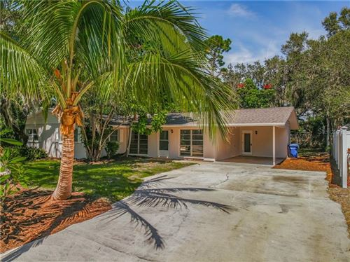 Photo of 2319 OAK TERRACE, SARASOTA, FL 34231 (MLS # O5895702)