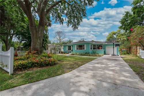 Photo of 433 LAKEVIEW AVENUE, WINTER PARK, FL 32789 (MLS # O5937703)