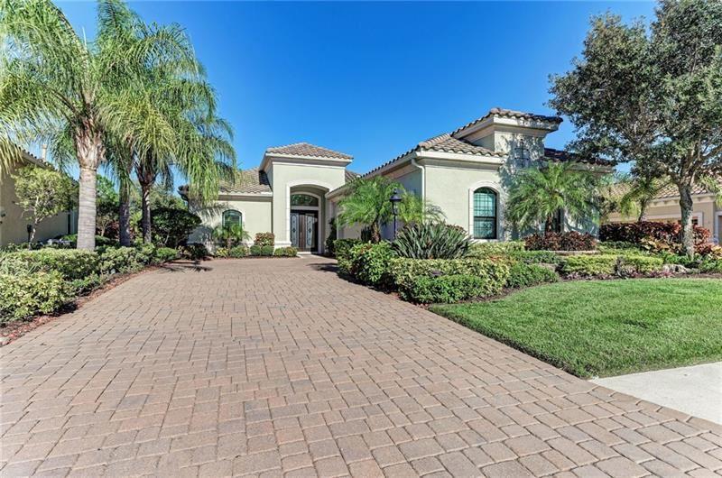 14717 CASTLE PARK TERRACE, Lakewood Ranch, FL 34202 - #: U8105709