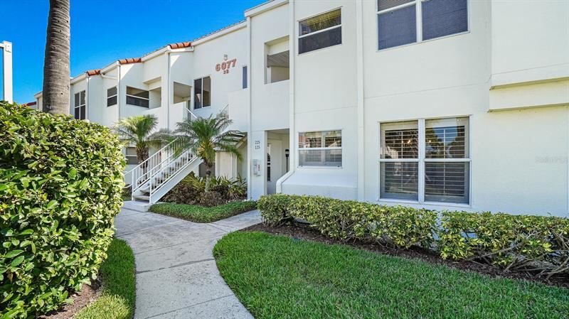 Photo of 6077 BAHIA DEL MAR BOULEVARD #125, ST PETERSBURG, FL 33715 (MLS # U8122709)