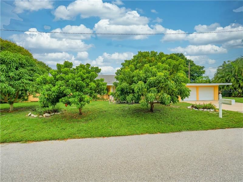 Photo of 6225 LANE ROAD, SARASOTA, FL 34243 (MLS # N6111715)