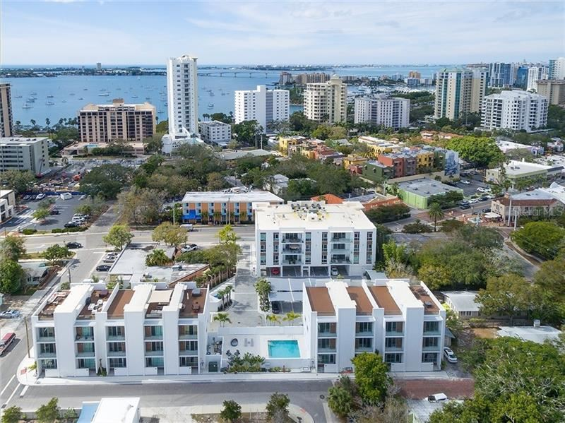 Photo of 656 S RAWLS AVENUE #656, SARASOTA, FL 34236 (MLS # A4480716)