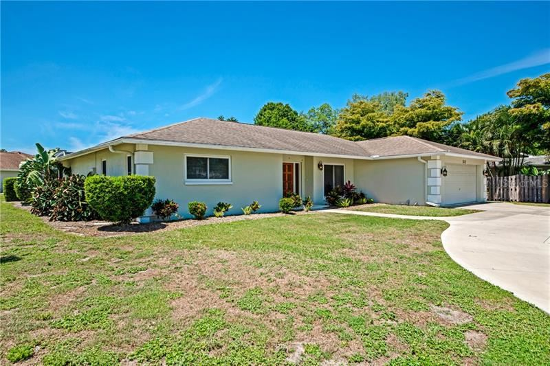 Photo of 5112 PALM AIRE DRIVE, SARASOTA, FL 34243 (MLS # A4466718)